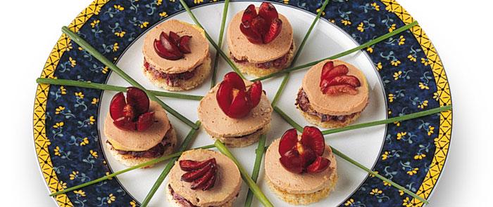 Canapes de cerezas con foie